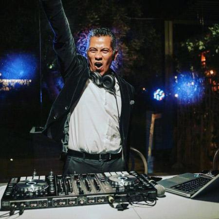 DJ Camilo Grooves