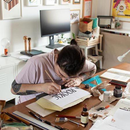 Valentina Casali - Calligrapher & Letterer
