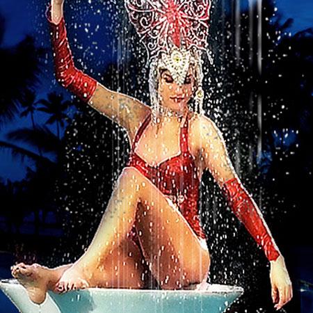 Champagne Creative Group - Pool Fountain
