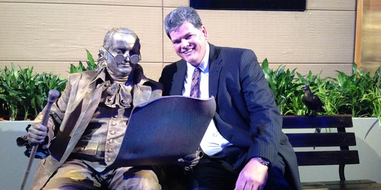 Living Statue Of Founding Father Gets Great Reception At Alumni Event