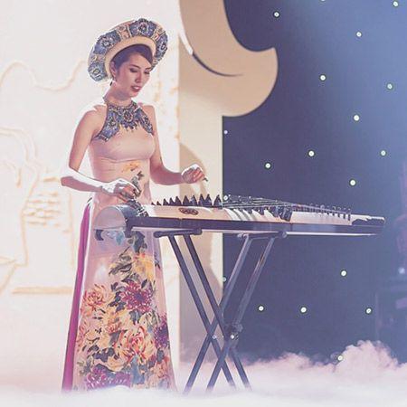 VU THI HANH - Guzheng & Harp Player
