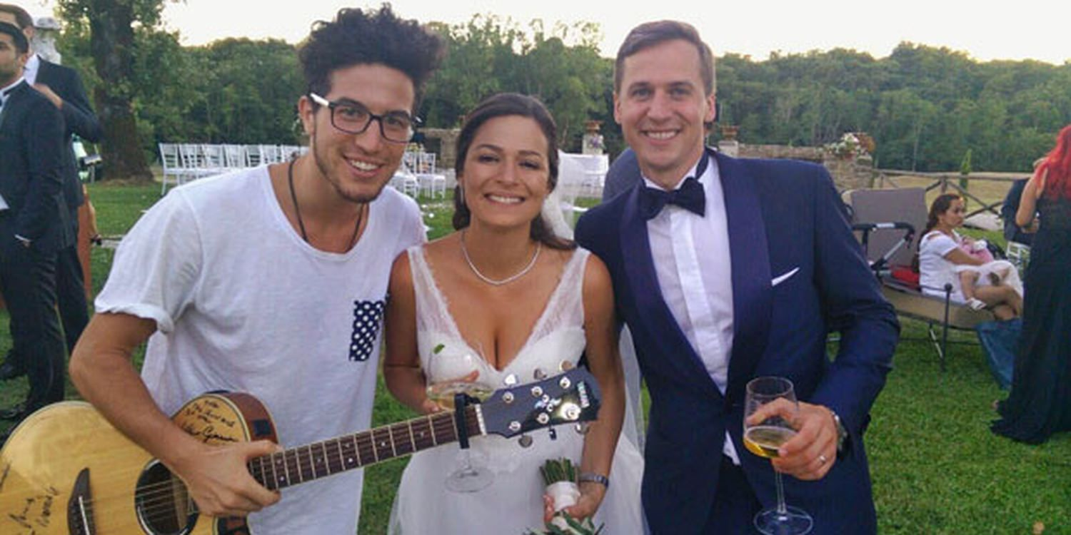 Solo Singer Serenades Newlyweds In Italy