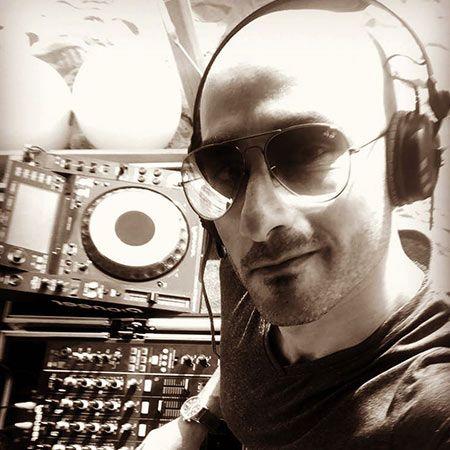 Rebo DJ - House DJ