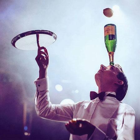 Florian Brooks - Champagne Juggler