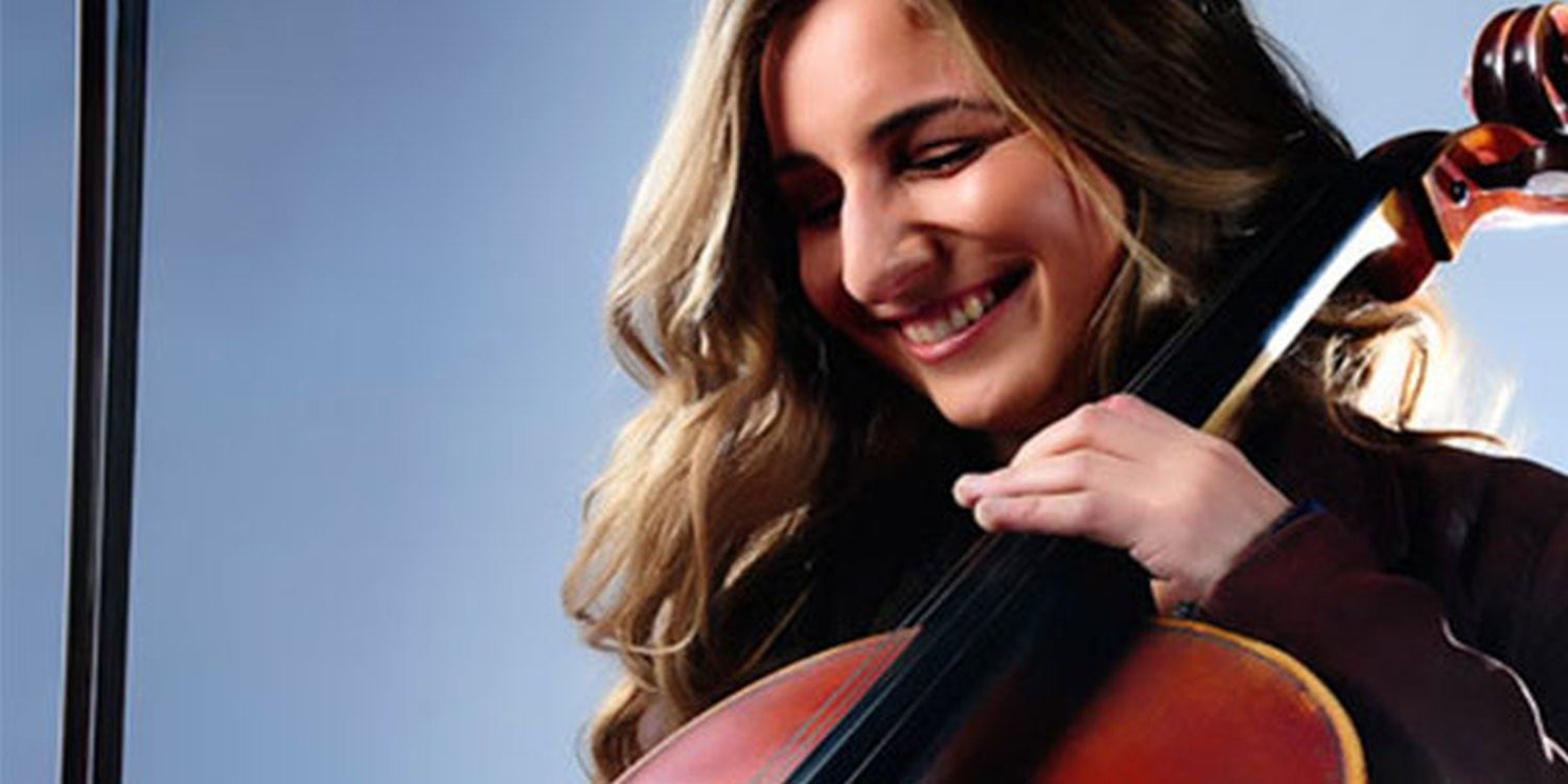 Harmonious Cellist Serenades Government Gala Dinner