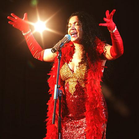 Tropicalia - Brazilian Solo Singer