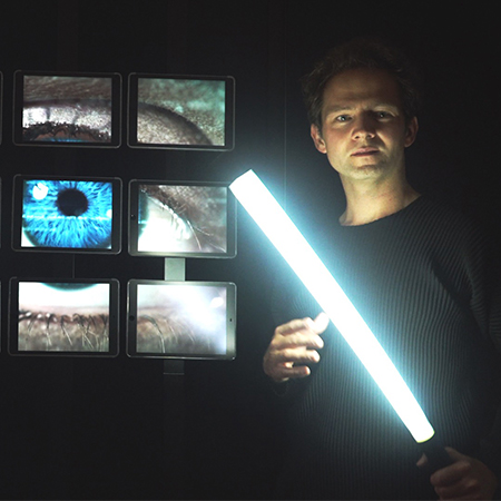 Romain Lalire - Ipad Stage Show