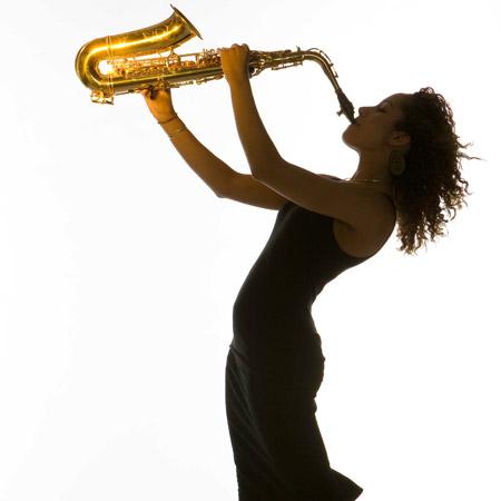 Yasmin Ogilvie - Solo Female Saxophonist