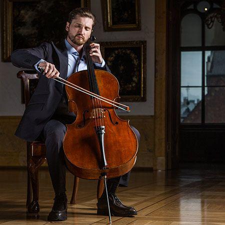 Max Beitan - Cellist