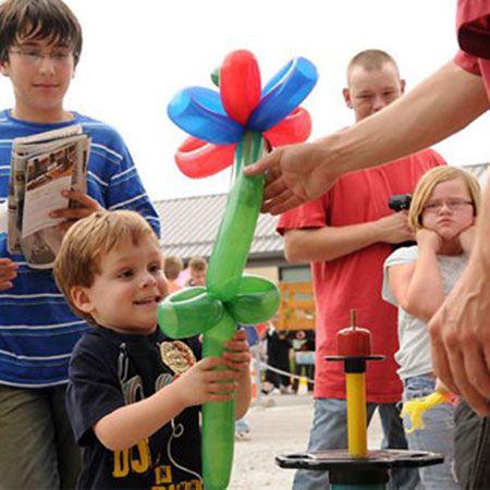 Splash Inflatables - Balloon Modellers