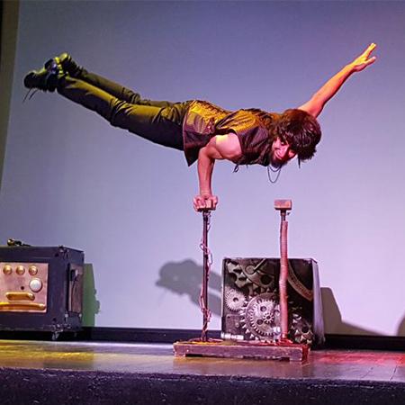 Marcos Ruiz - Multiskilled Circus Performer