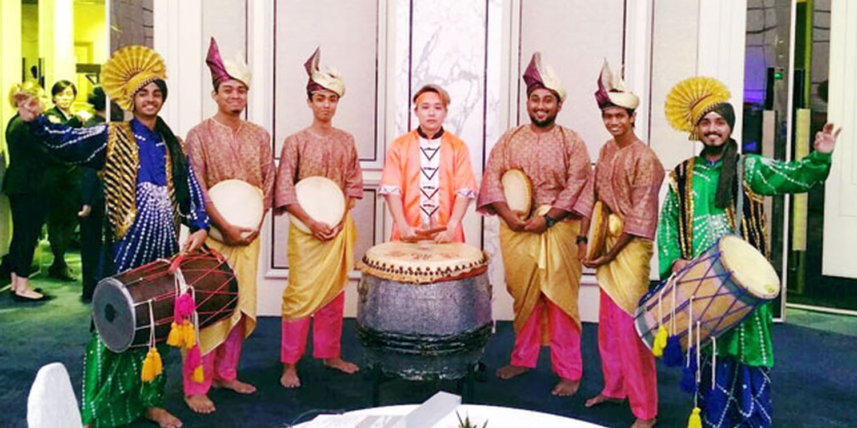 Singapore Event Celebrates With Cultural Entertainment