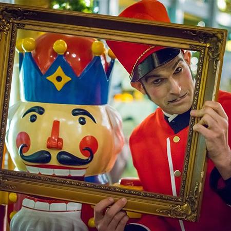 Pantomime Popkultur - Walkabout Nutcracker