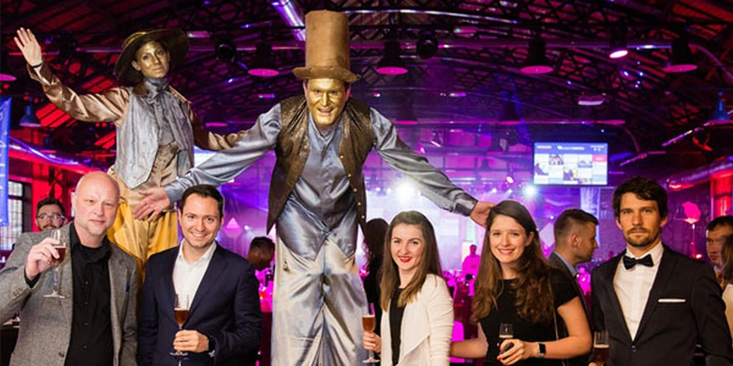 Stilt Walkers At The European Search Awards 2017
