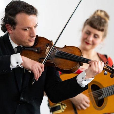 Muriel d'Ailleurs & Léo Ullmann – Vocal and Strings Duo
