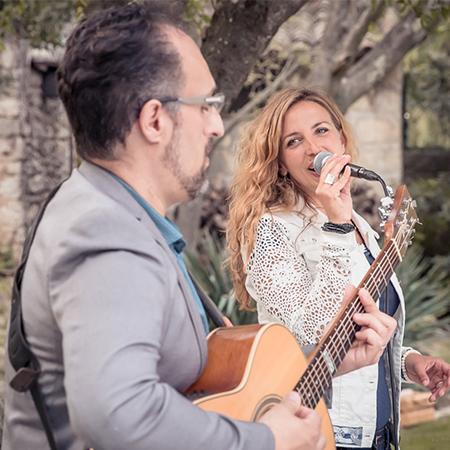 Alice & Lo - Guitar & Vocal Duo