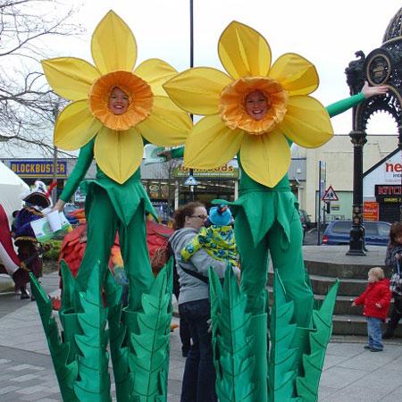 Mind Blowers - Daffodil Flower Stilt Walkers