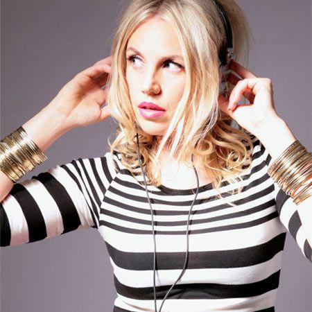 Lyndsay Evans - Online Virtual DJ