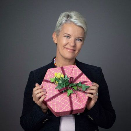 Jane Means - Harrods Gift Wrapping Guru