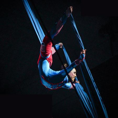 Lycans Producciones - Aerial Dance Productions