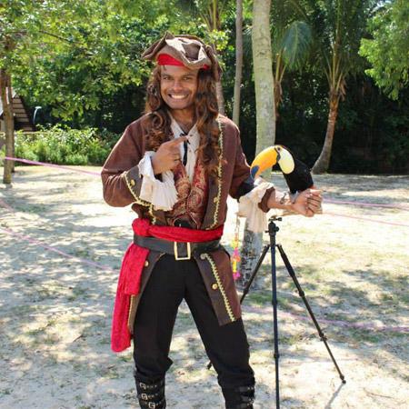 Ran Superman - Pirate Parrot Magic