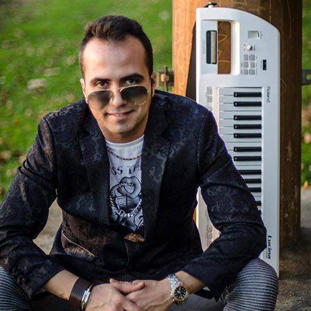 Manuel Karamori - Pianist and Vocalist