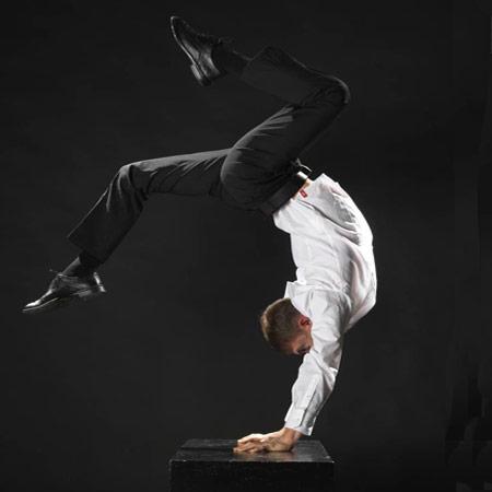 Slava Popov - (Equilibrist Artist)