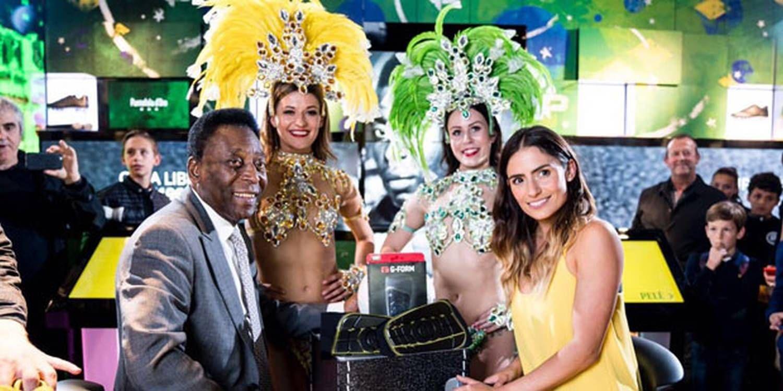 Brazilian Showgirls Mix With Football Superstar Pelé In London
