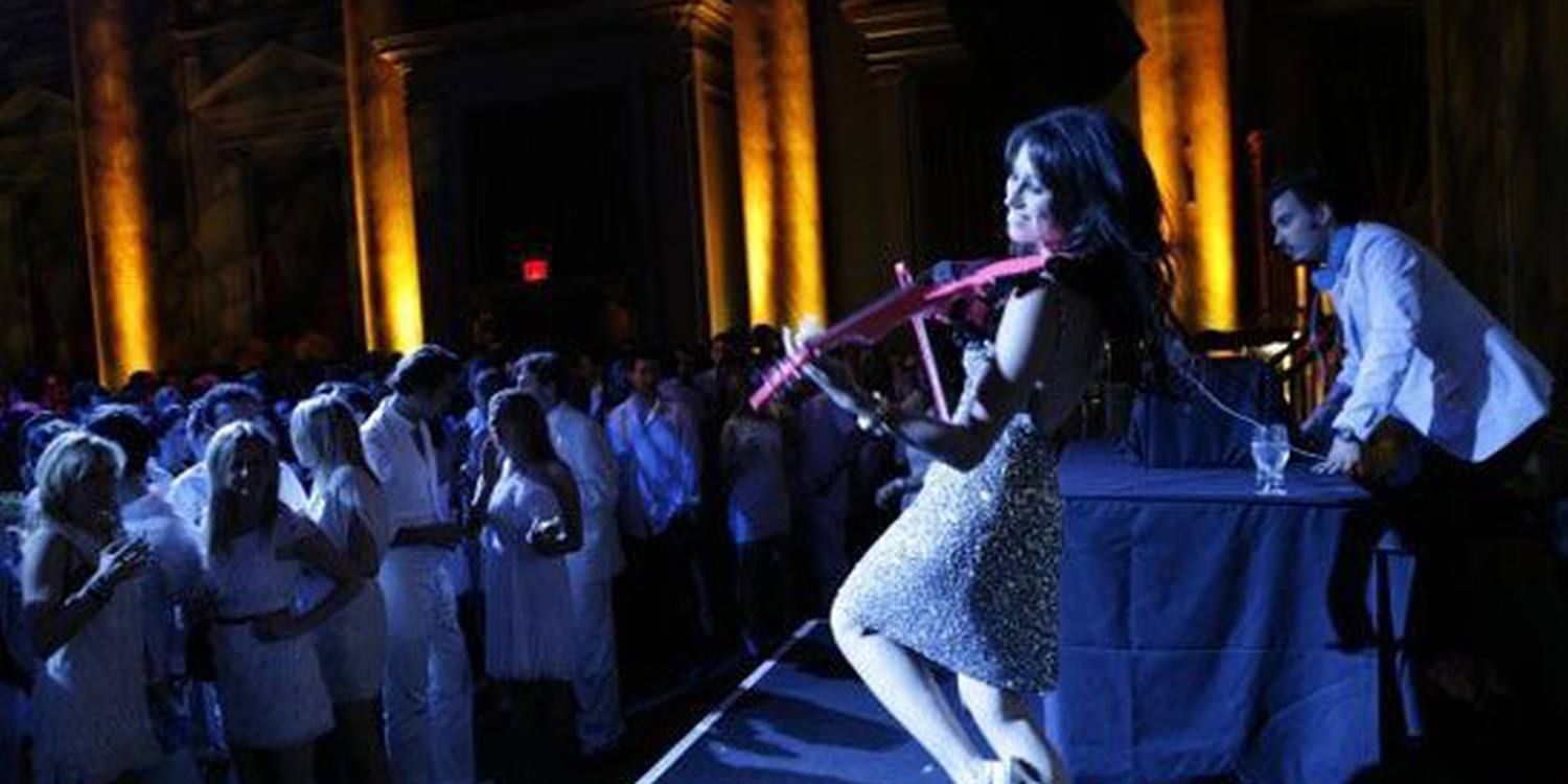 Stunning Electric Violinist Performs At Washington D.C VIP Party