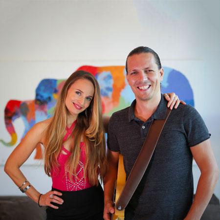 Lisa Dijkman - vocals & guitar duo