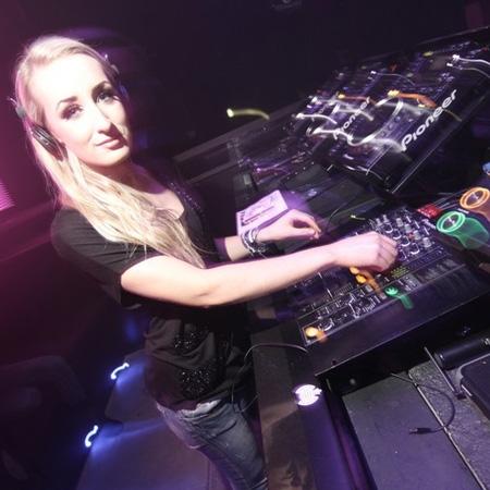 DJ Stephanie Jay