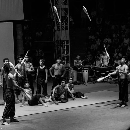 Phare, The Cambodian Circus - Club Passing
