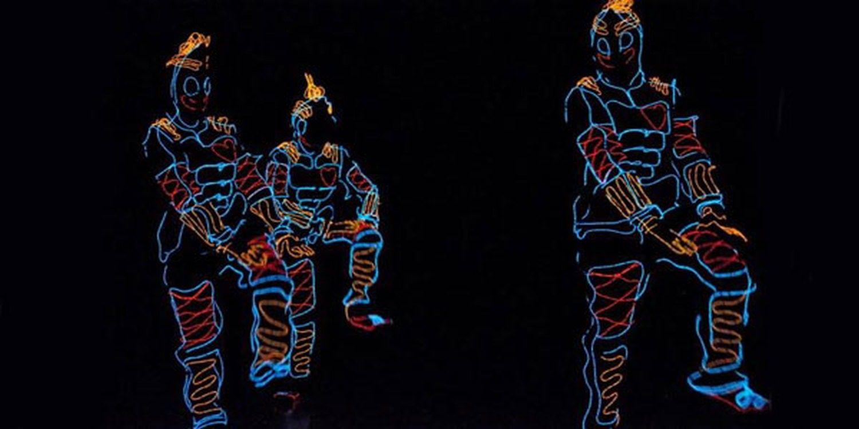 LED Dancers Light Up Las Vegas!