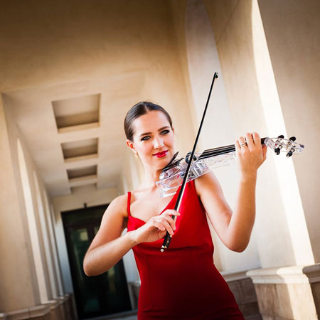 Marta Usmanova - Violinist