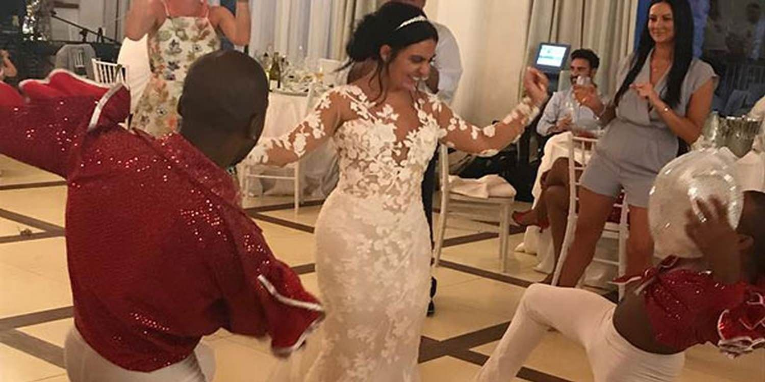 Latin Flash Mob Surprises Wedding Guests In Italy