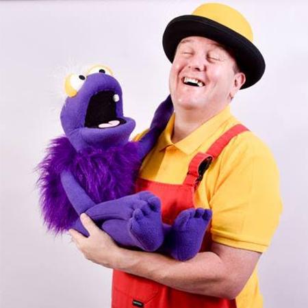 Simon Hannah - Children's entertainer