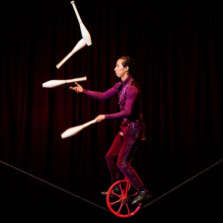 Raul Canaz - Slack Juggling
