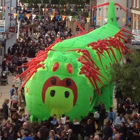 Neighbourhood Watch Stilts International & Soznak - The Caterpillar