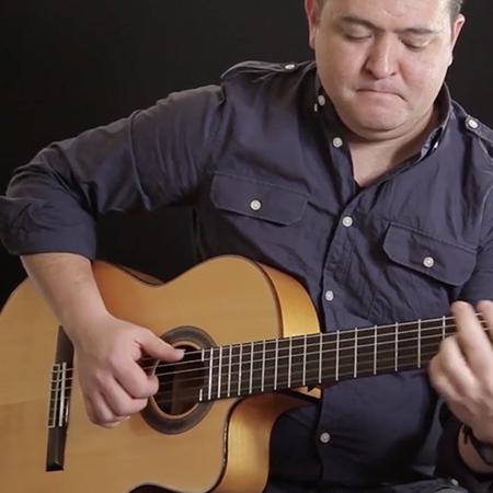 Lucy Black Entertainment - Erik Guitarist