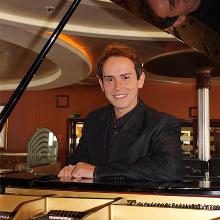 Miro - Pianist