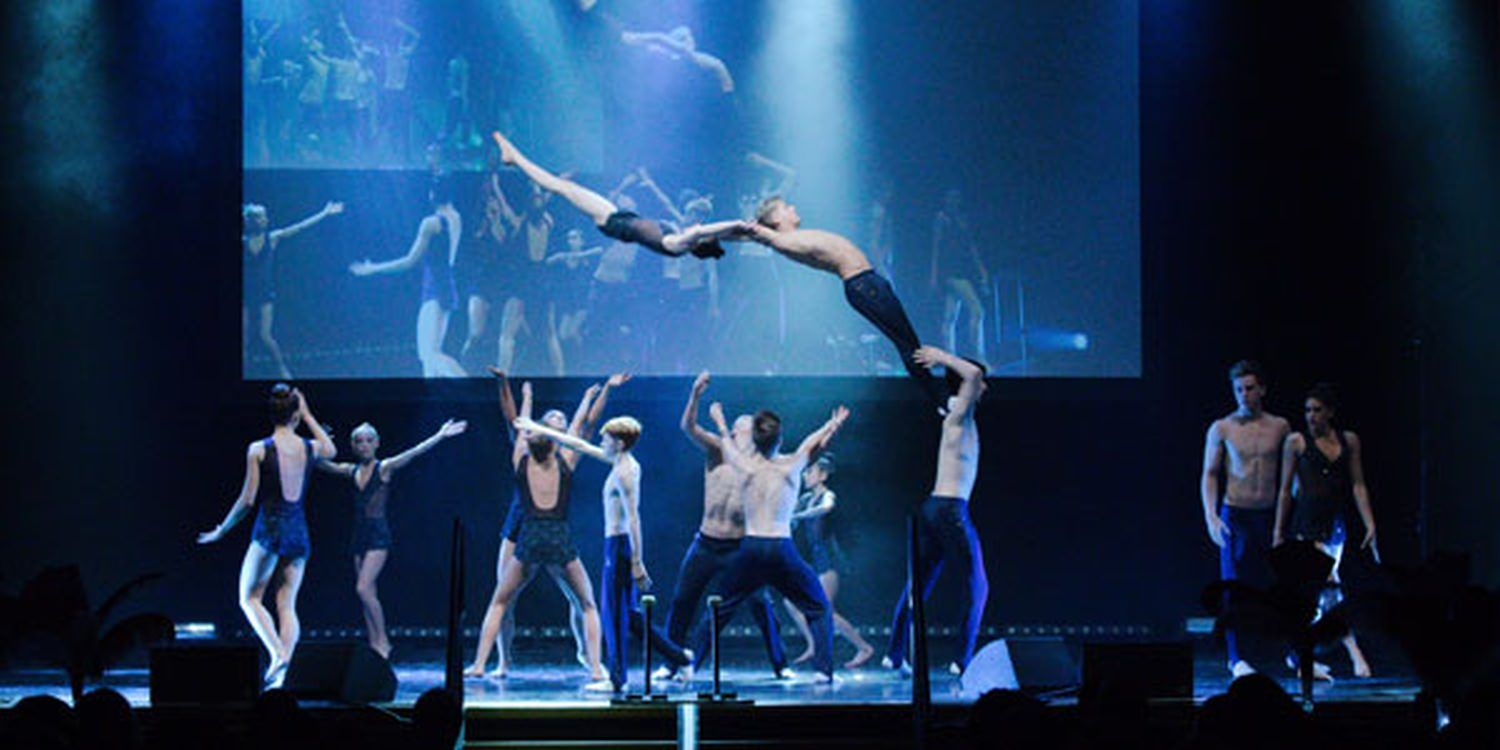 Acrobats Receive Standing Ovation In Southampton