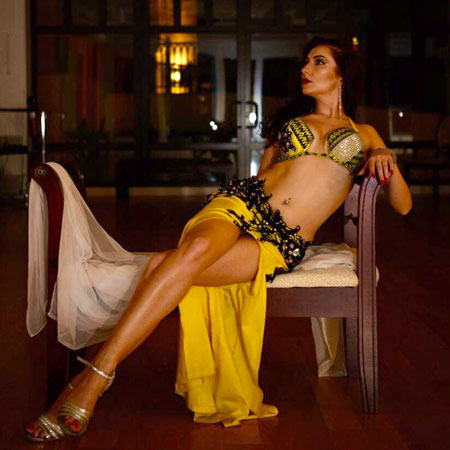 Valery Puhova - Belly Dancer
