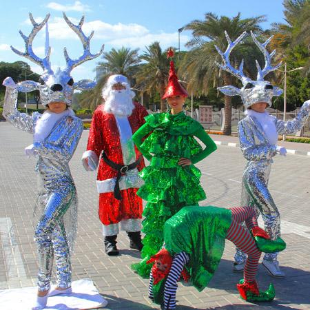 Aaliyah Art - Santa Carriage