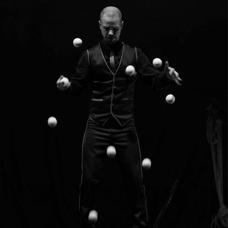 Fernando Pose - Juggler