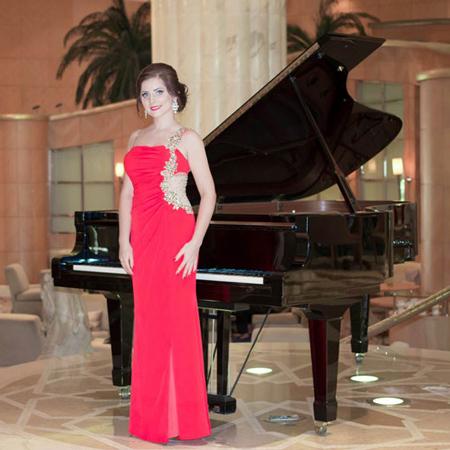 Dubai Pianist/Accordionist