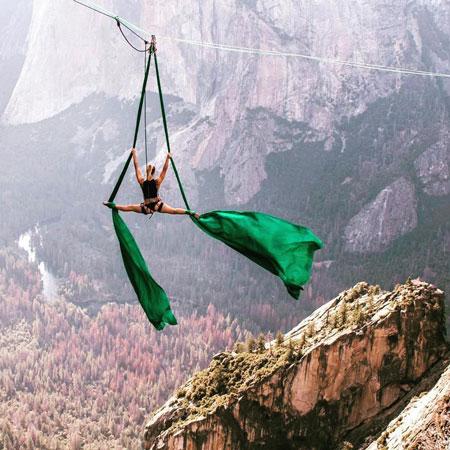 Heather Foltz - Aerialist / Ambiance Entertainer / Aerial Bartender