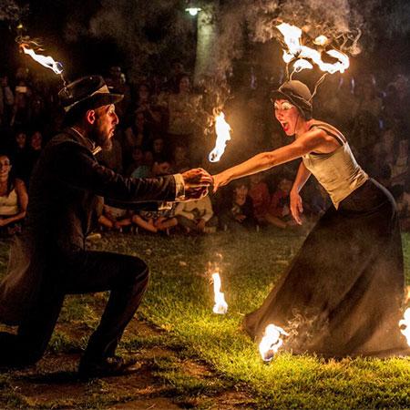 Creme & Brulè - Street Theatre and Fire