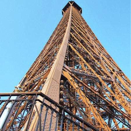 Cultival - The Behind the Scenes of the Eiffel Tower Tour