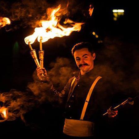 The Two Gentlemen - Fire Show