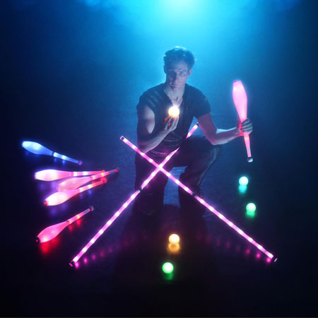 Till Pöhlmann - LED Juggler